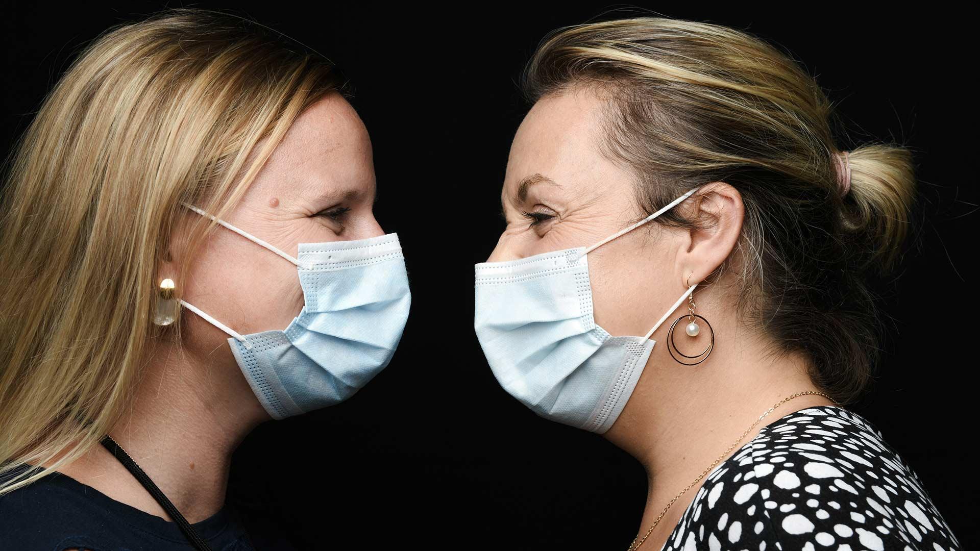 Les Trophées de l'Environnement Photo illustrative deux femmes masquées